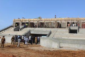 le stade du 11 décembre 2016 en chantier, taux d'exécution estimé à 55%