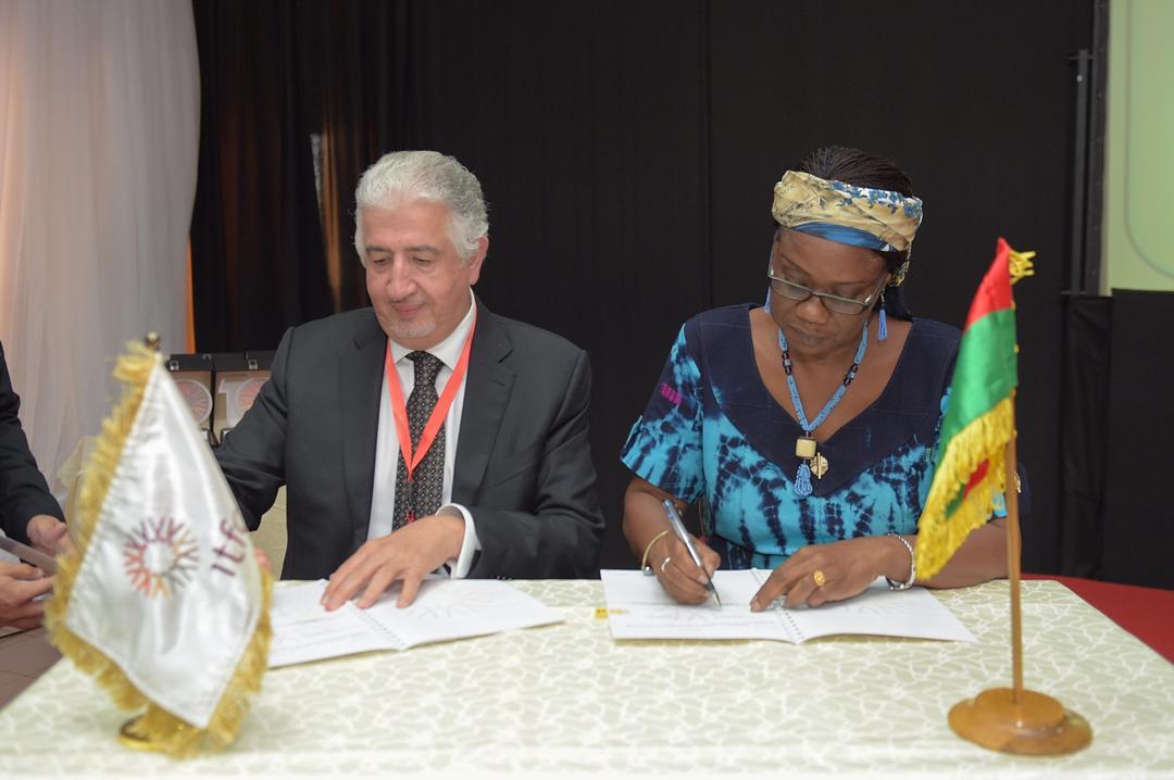 Signature de l'accord-cadre entre l'Etat burkinabè et IFTC (© IFTC)