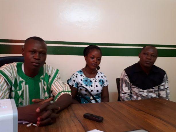 Des membres de l'association Fiil Pââ lors de leur passage à la rédaction.