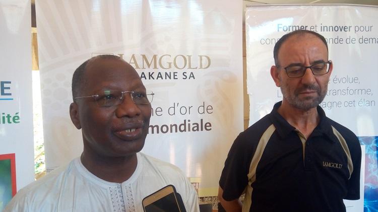 Pr Mady Kouanda, DG de l'institut 2iE (gauche) et Mohamed Ourriban, DG d'Iamgold Essakane SA (droite)
