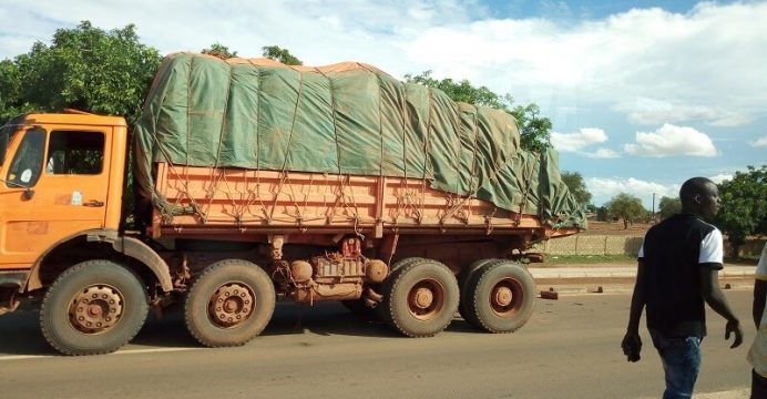 (Organisation des transporteurs routiers du Faso) et l'URCB (Union des chauffeurs routiers du Burkina)